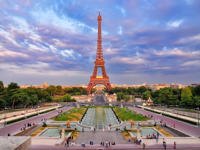 Book your stay in Paris